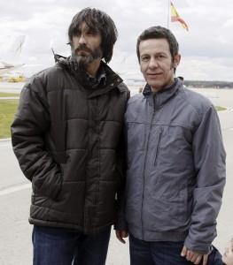 Ricardo García Vilanova (izda.) y Javier Espinosa, recién llegados a Madrid. (EFE).