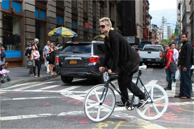 Jared Leto en bici