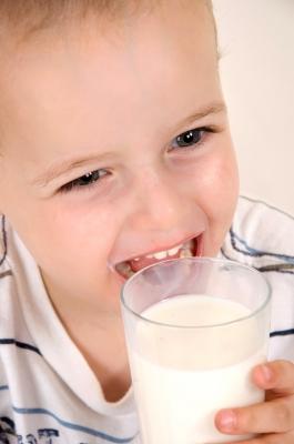 Niño leche