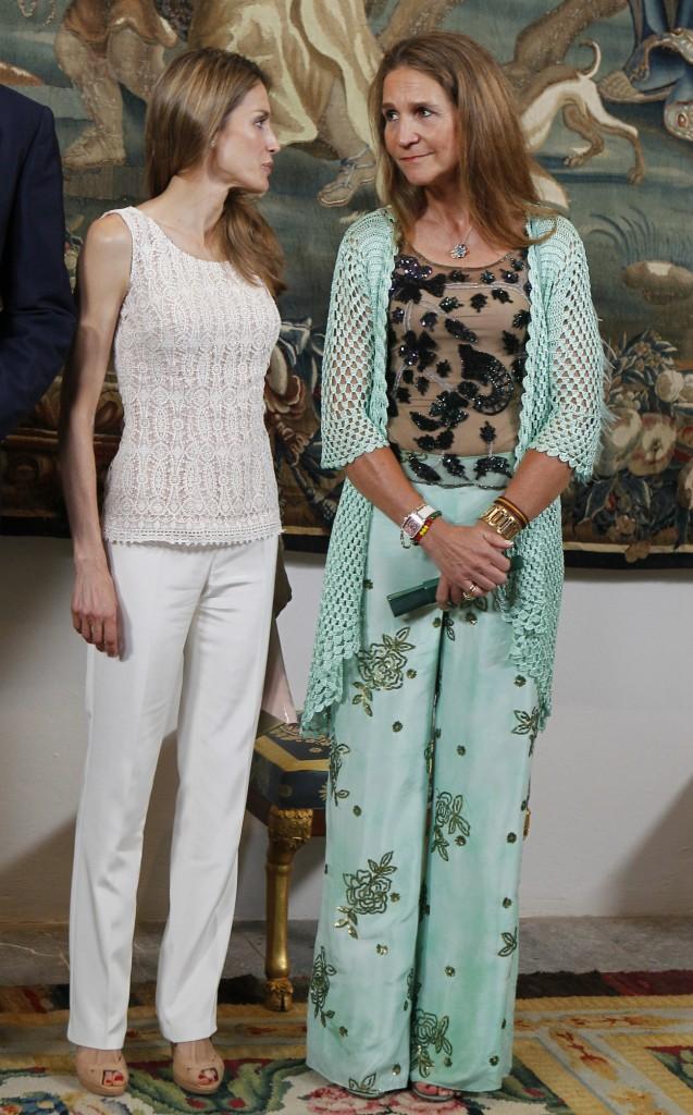 Las cuñadas en una cena concedida al Gobierno Balear el agosto de 2013.  (GTRES)