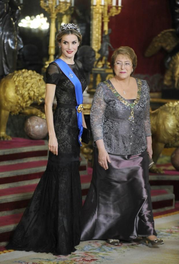Con la presidenta de Chile. Esta señora me recuerda a mi profesora de Matemáticas. (GTRES)
