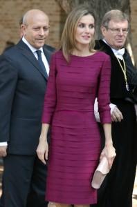 Uno de los vestidos más icónicos de Felipe Varela y uno de los favoritos de la reina. (GTRES)