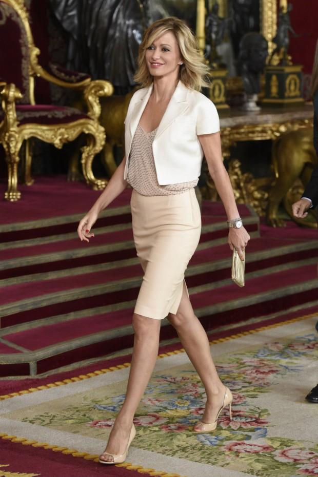 Susanna Griso, espectacular, en la recepeción del 12 de octubre en el Palacio Real. (GTRES)