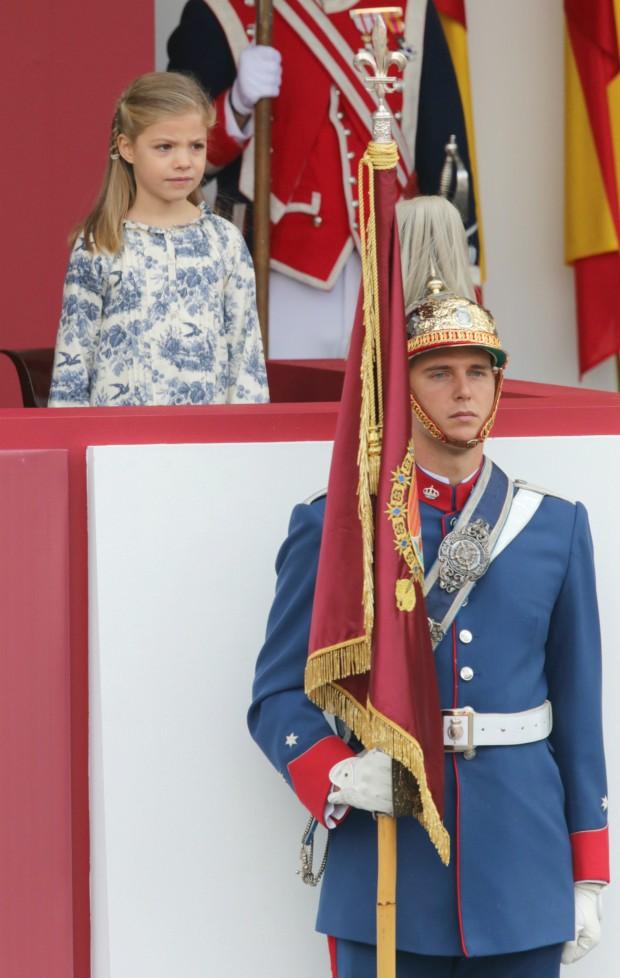Muy formal en el desfile militar del 12 de Octubre. (GTRES)