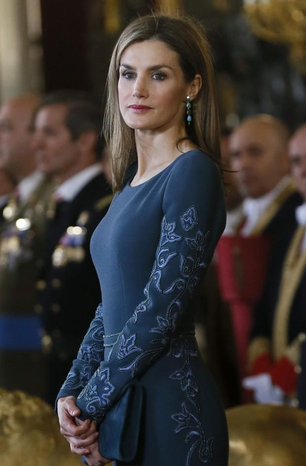 En esta foto podéis apreciar los bordados del vestido. (GTRES)