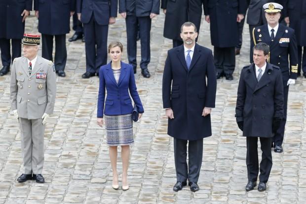 Muy coordinados. La corbata de Felipe es del mismo color que el de Letizia. (GTRES)