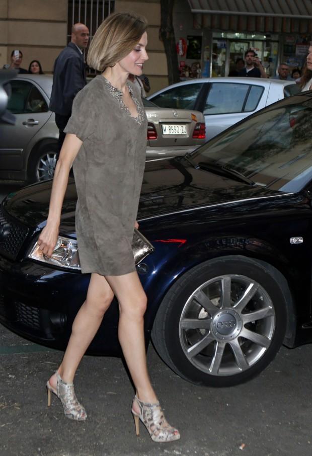 Presumiendo de piernas y con un look super moderno. (GTRES)