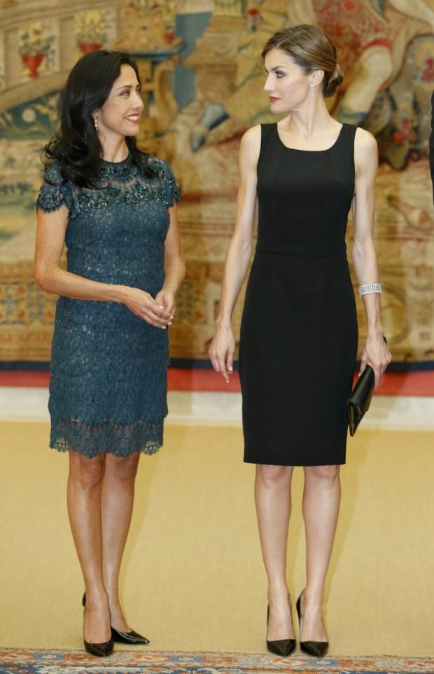Letizia y la primera dama de Perú. Ambas con zapatos parecidos. (GTRES)