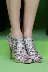 Las sandalias de pitón de Adolfo Domínguez. (GTRES)