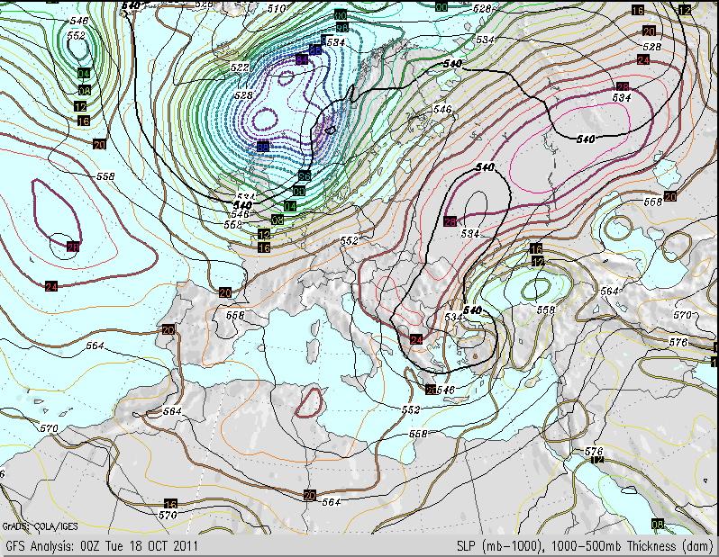 Mapa de presión atmosférica en superficie de hoy martes 18 Octubre 2011
