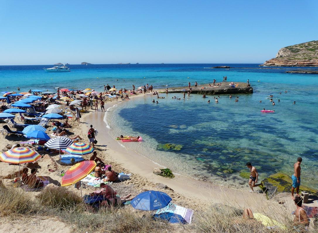 Tiempo auténticamente veraniego, con 32ºC, en Formentera (2010). Foto Emilio Rey.