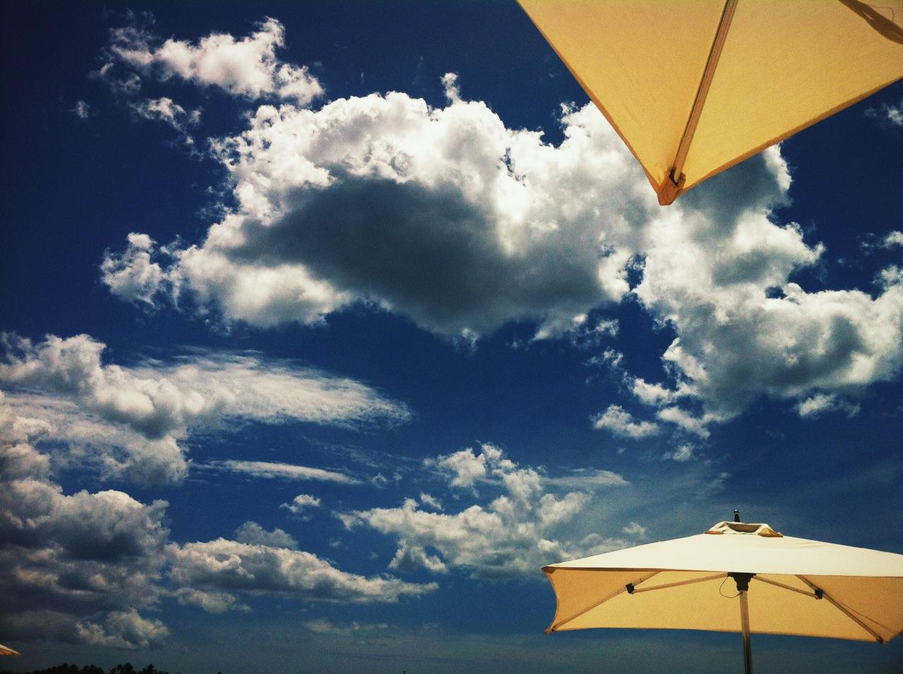 Nubes en la Playa de Minitas, La Romana, RD, ayer mismo.