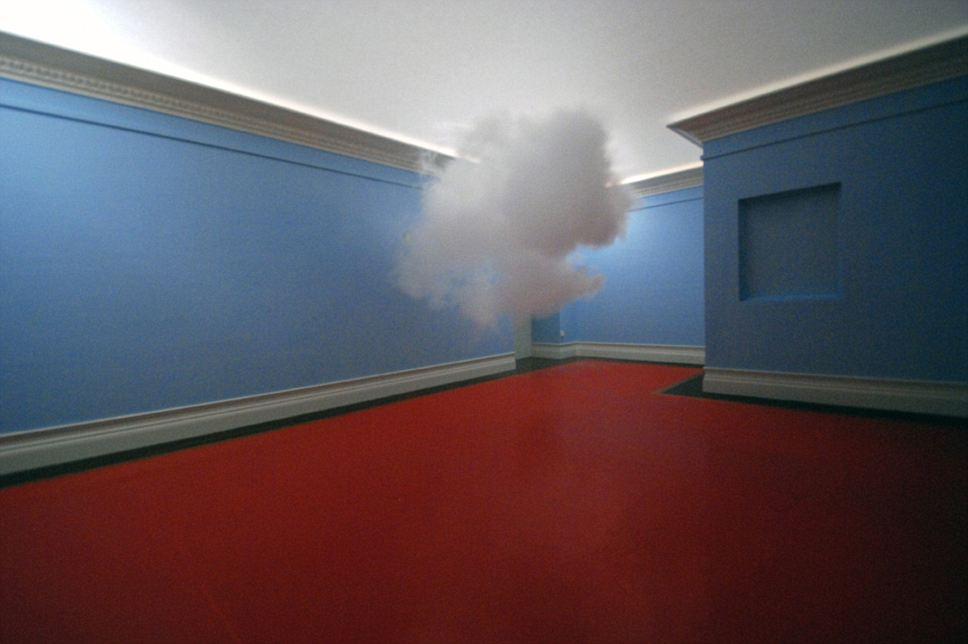 Nubes creadas y fotografiadas por Berndnaut Smildeas. Via DailyMail.