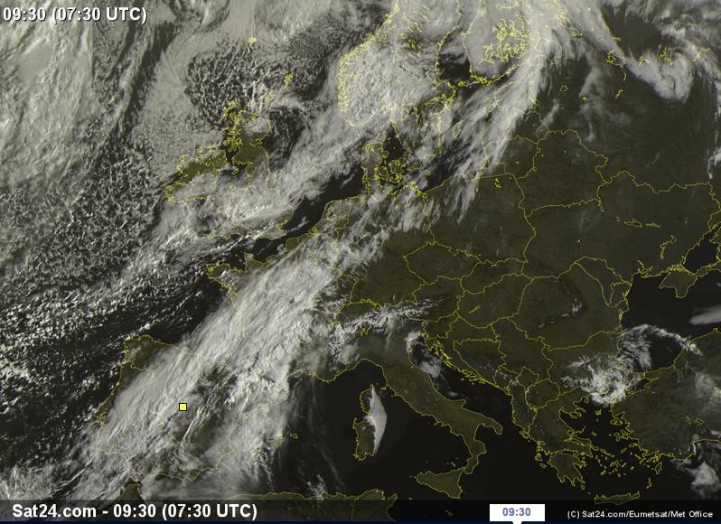 Imagen de satélite de esta mañana, que muestra el frente estacionario. Fuente: SAT24.