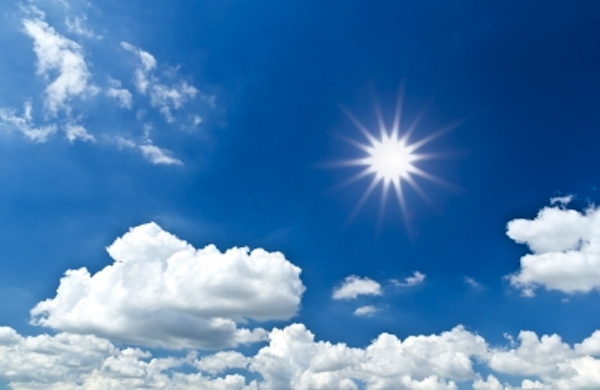 El Sol en todo lo alto y el cielo límpido...