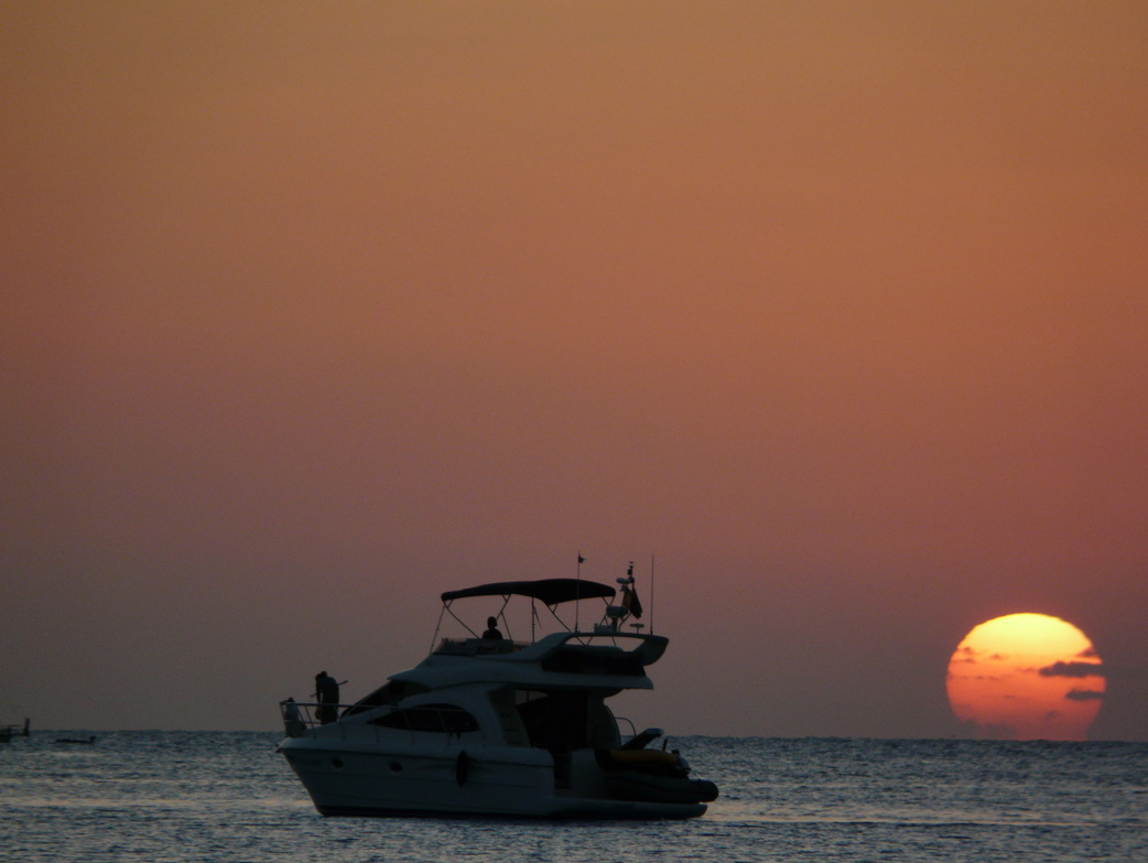 A la caída del Sol el calor sigue apretando... Puesta de sol en Formentera en 2010. Foto ER.