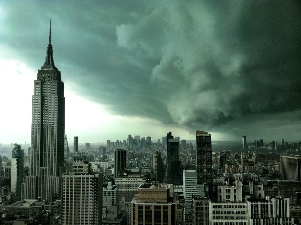No es de Sandy. Pero la foto sí es real, de Abril de 2011 en Manhattan. Foto: Charles Menjivar