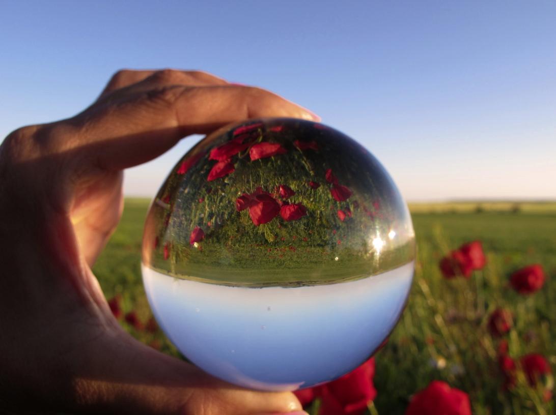 No tenemos la bola de cristal, lo sentimos. Foto Jacilluch, Fliker CC.