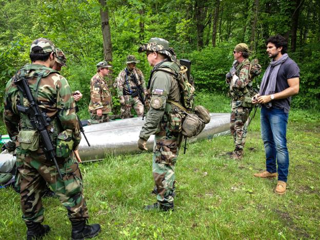 Junto a las milicias de Michigan para reportajes Jon Sistiaga en Canal Plus, junio 2013.
