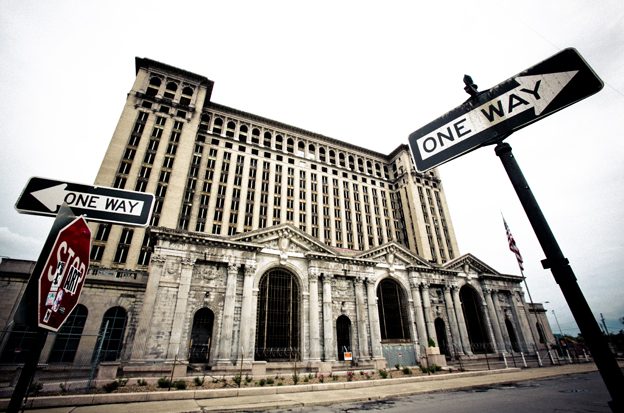 Estación de tren de Detroit, abandonada hace años por la falta de recursos de la ciudad (foto: Hernán Zin)
