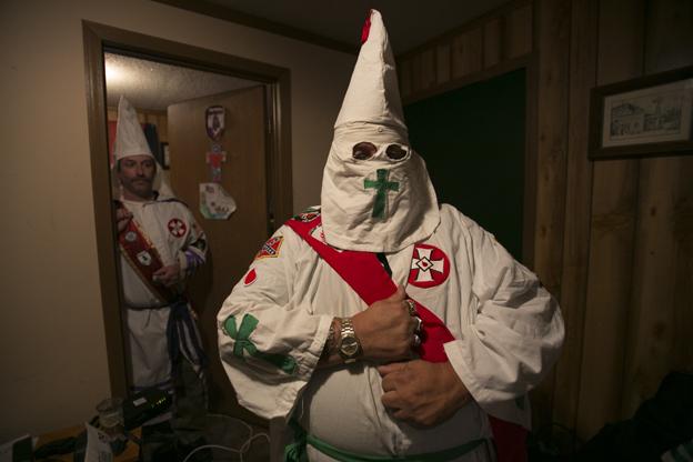 Miembros del Ku Klux Klan en Arkansas. Foto: Hernán Zin