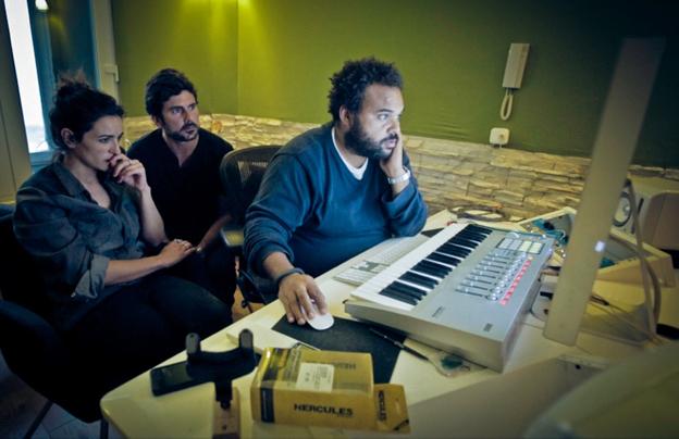 """Bebe, Carlos Jean y Hernán Zin en la grabación de """"César debe morir"""", tema original del documental LA GUERRA CONTRA LAS MUJERES."""