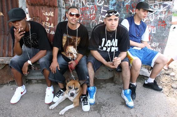 El hip hop de las villas miseria viaje a la guerra for Villas miserias en argentina