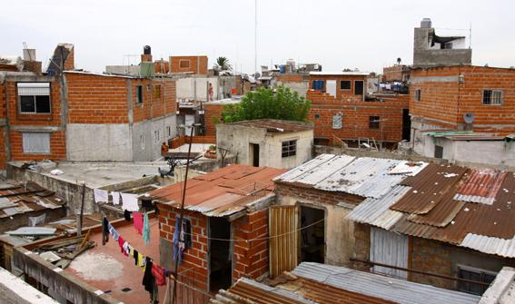 Villa miseria viaje a la guerra for Villas miserias en argentina