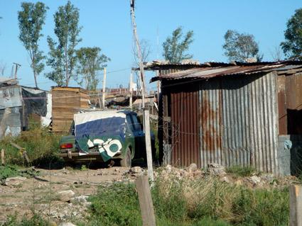 El cauce de la miseria en argentina viaje a la guerra for Villas miserias en argentina