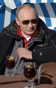 Putin, tomando un refresco en Sochi (EFE).