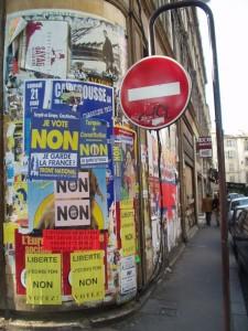 Carteles pidiendo el 'No' a la Constitución Europea en Francia en 2005 (WIKIPEDIA)