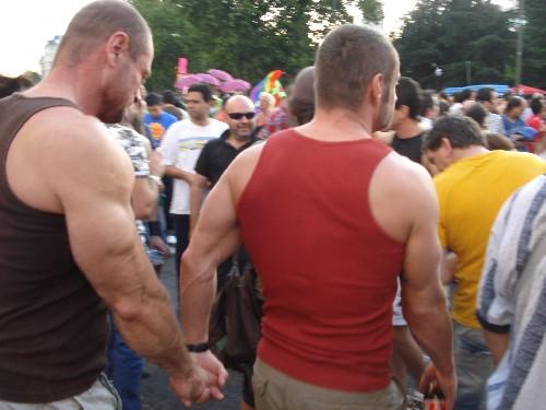 Monitor Gay Restregandose En El Gim