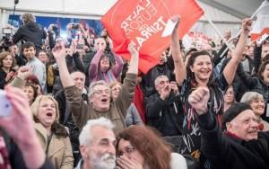 Seguidores de la coalición de izquierdas Syriza celebran la victoria del partido dirigido por Alexis Tsipras en las elecciones generales de Grecia. (EFE)