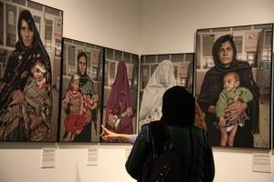 Imagen de la exposición 'Mujeres. Afganistán' en el Palau Robert, en Barcelona. (Pau Cortina/ ACN/ Archivo)