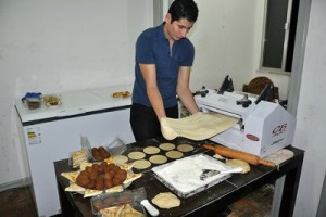Armin cocinando