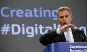El comisario europeo de Sociedad Digital, Guenther Oettinger / OLIVIER HOSLET (EFE)