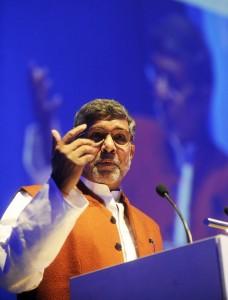 Kailash Satyarthi en su conferencia del pasado jueves en A Coruña /  Foto: CARLOS PARDELLAS