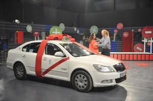 Paco y su taxi, tras ser expulsado (TELECINCO).
