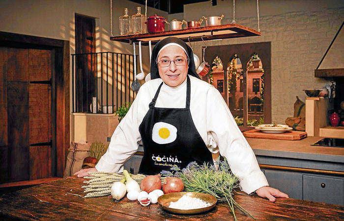 Chef sor luc a caram la gulateca for Chema de isidro canal cocina