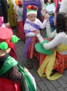Jaime con tres año en el carnaval del cole.