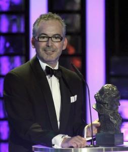 El realizador Pedro Solis García tras recibir el Goya al mejor cortometraje de animación, por su trabajo en Cuerdas. (Alberto Martín / EFE)