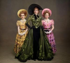 cinderella-cenicienta-2015-live-action-walt-disney-outfit-vestuario-personajes-prince-principe-ella-madrastra-hermanastras-madame-2