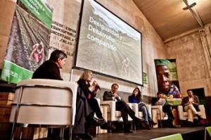 Saskia Sassen en la presentación del informe La Realidad de la Ayuda 2011. Imagen de Pablo Tosco