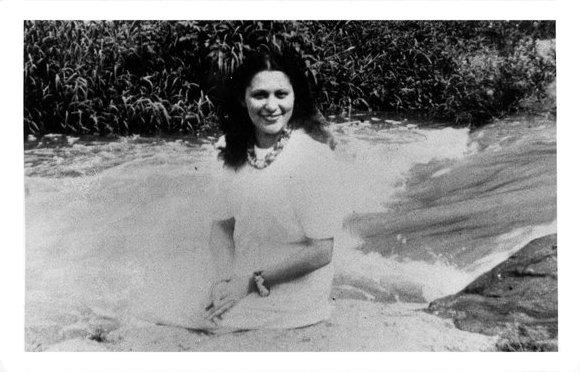 Imagen de la poeta puertorriqueña Julia de Burgos en la página de Editorial La Discreta