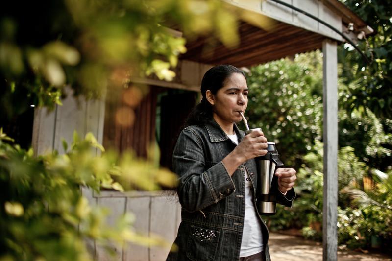Perla Álvarez en su casa cerca de Asunción (Paraguay) (c) Pablo Tosco / Intermón Oxfam