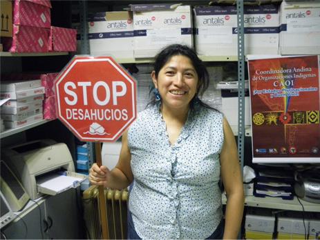 Aida Quinatoa en la sede de CONADEE en Madrid