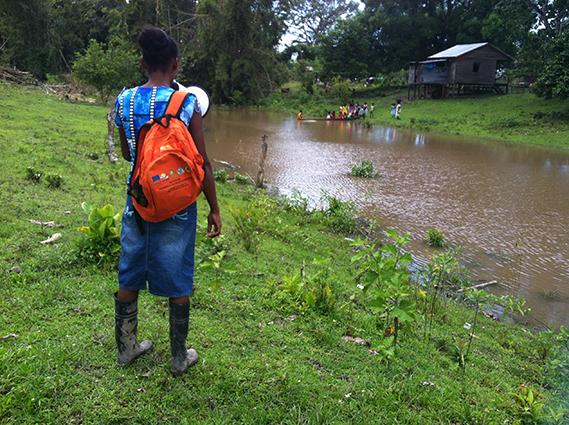 Melba organiza un simulacro de evacuación en la comunidad de Wis Wis (Nicaragua) / (c) María Cimadevilla / Oxfam Intermón