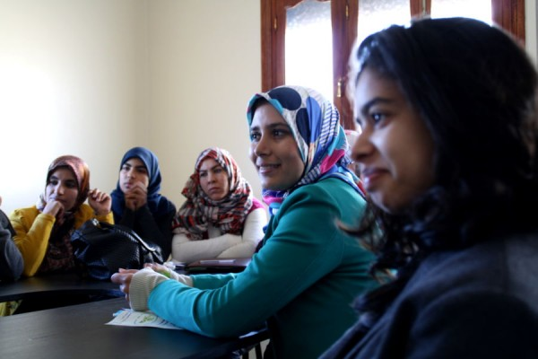 Reunión en la Asociación Al-Karama. Imagen de Isabel Cebrián.