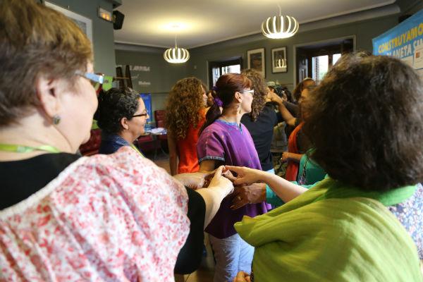 Actividades en un encuentro internacional de mujeres. Imagen: Ana Sara Lafuente