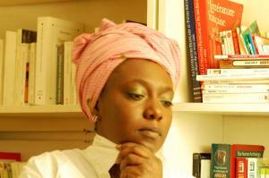 La historiadora y activista nigeriana BK Kumbi.